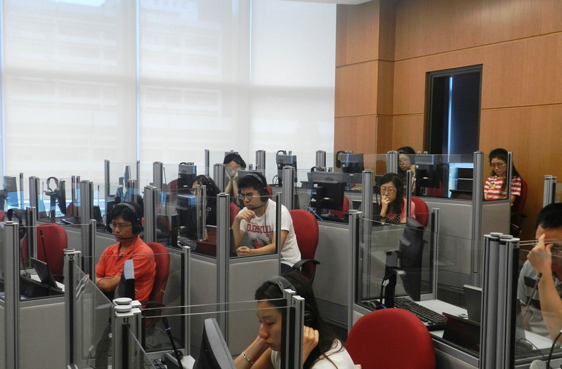 Participants touring in the Translation and Interpretation Lab